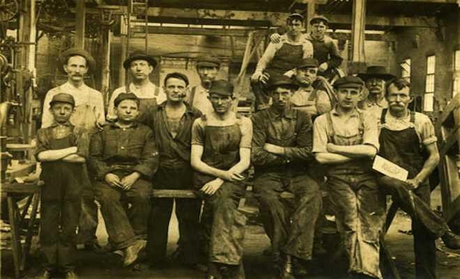 Mecklenburg_Iron_Workers_publicdomain