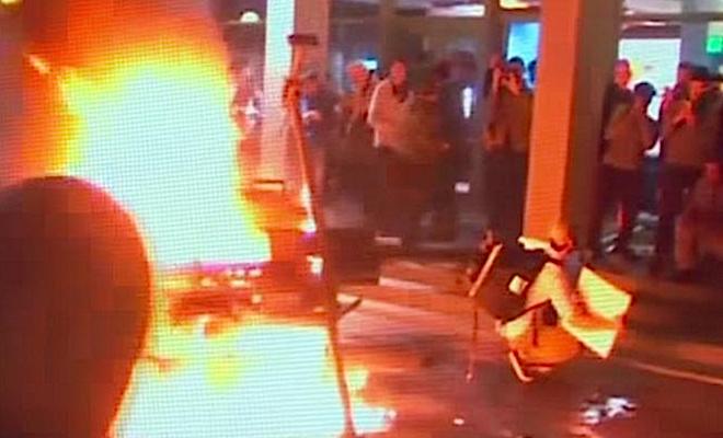 Riots Shot 2017-02-03 at 10.57.04 AM