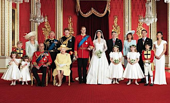 Royals Queen Shot 2017-12-03 at 2.25.11 PM